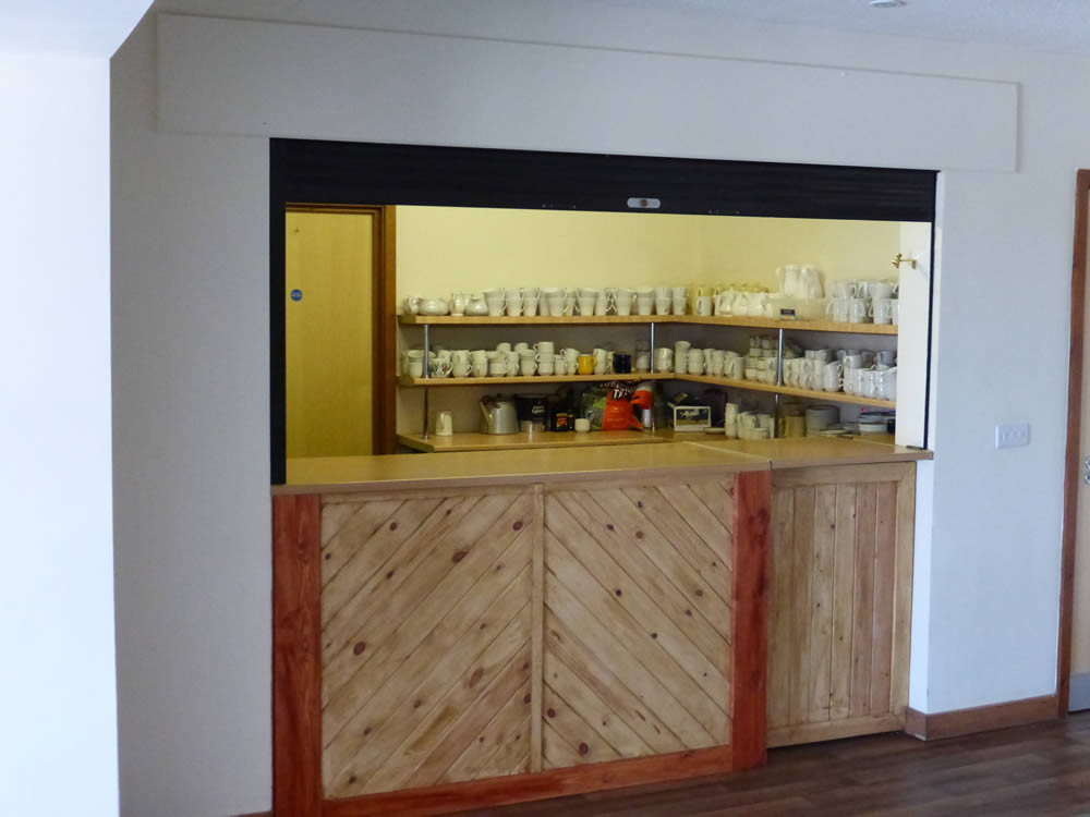 Tea and coffee bar in the leader room